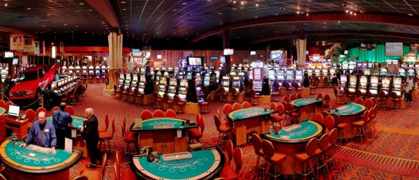 Land-based casinos are also giving a welcome bonus for new customers